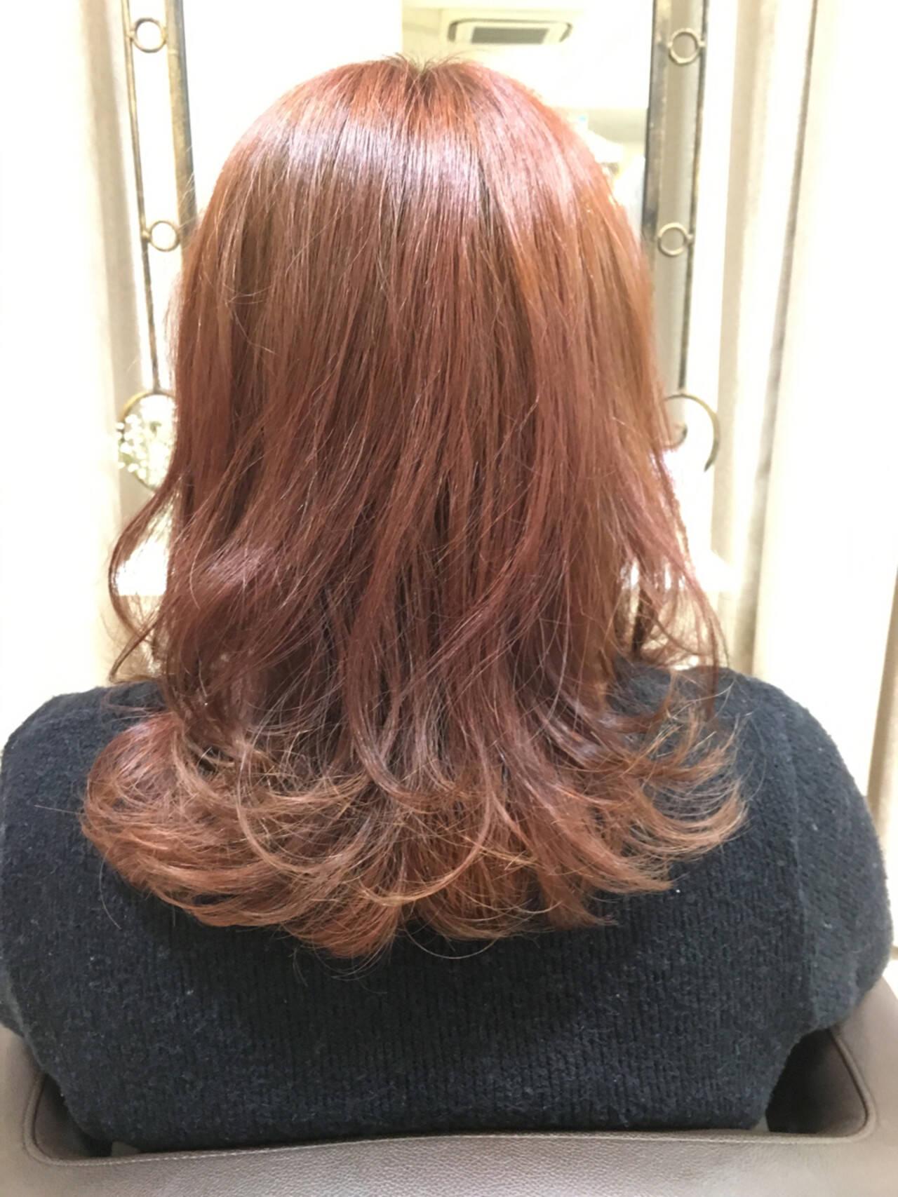 ガーリー ハイトーン ベリーピンク ピンクヘアスタイルや髪型の写真・画像