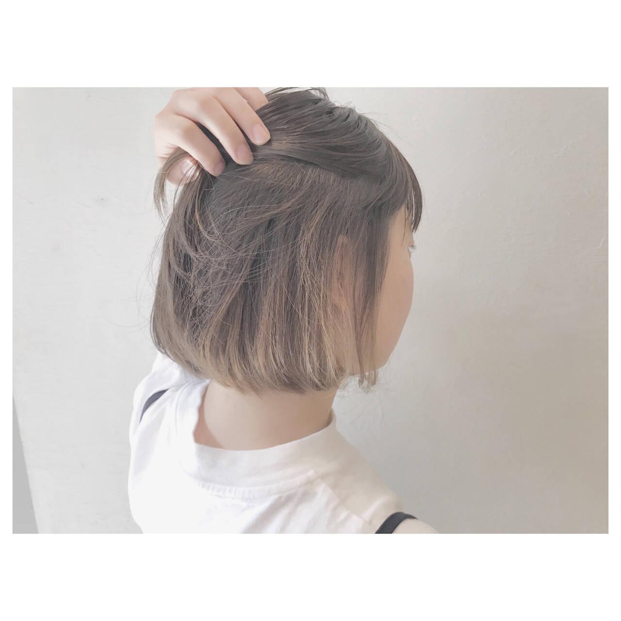 リラックス デート ウェーブ ボブヘアスタイルや髪型の写真・画像