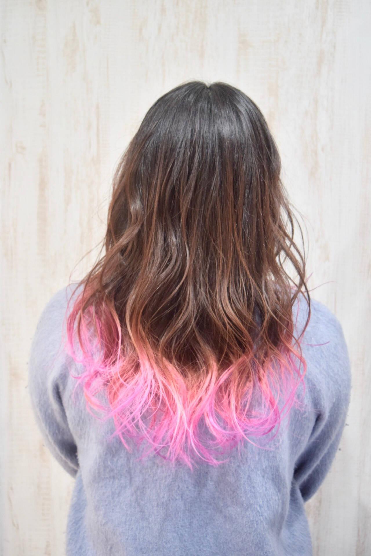 ユニコーンカラー ロング ピンク フェミニンヘアスタイルや髪型の写真・画像