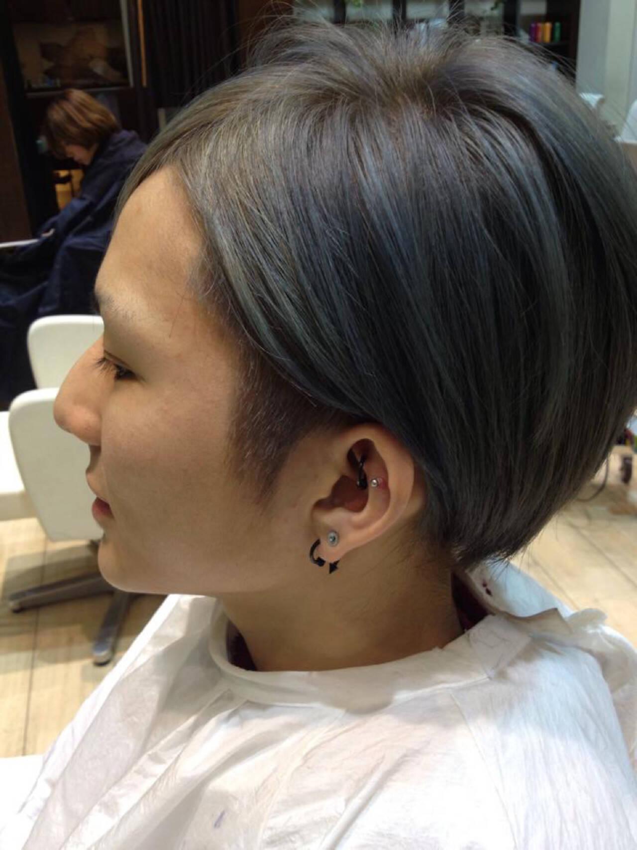 ナチュラル ショート グラデーションカラー メンズヘアスタイルや髪型の写真・画像
