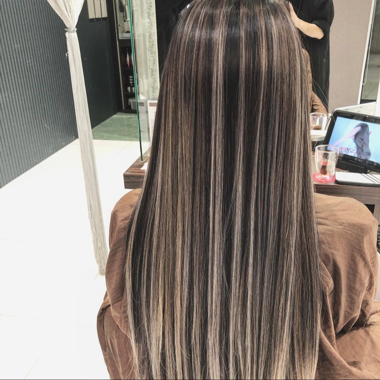 ロング バレイヤージュ ストリート デートヘアスタイルや髪型の写真・画像