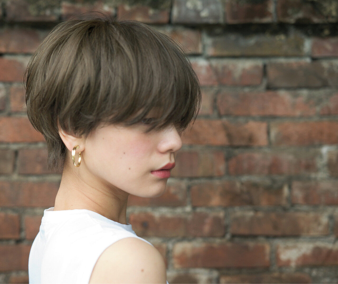 アンニュイほつれヘア ハンサムショート アッシュ ショートヘアスタイルや髪型の写真・画像