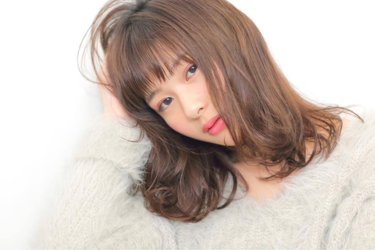 ナチュラル ピュア 前髪あり シースルーバングヘアスタイルや髪型の写真・画像