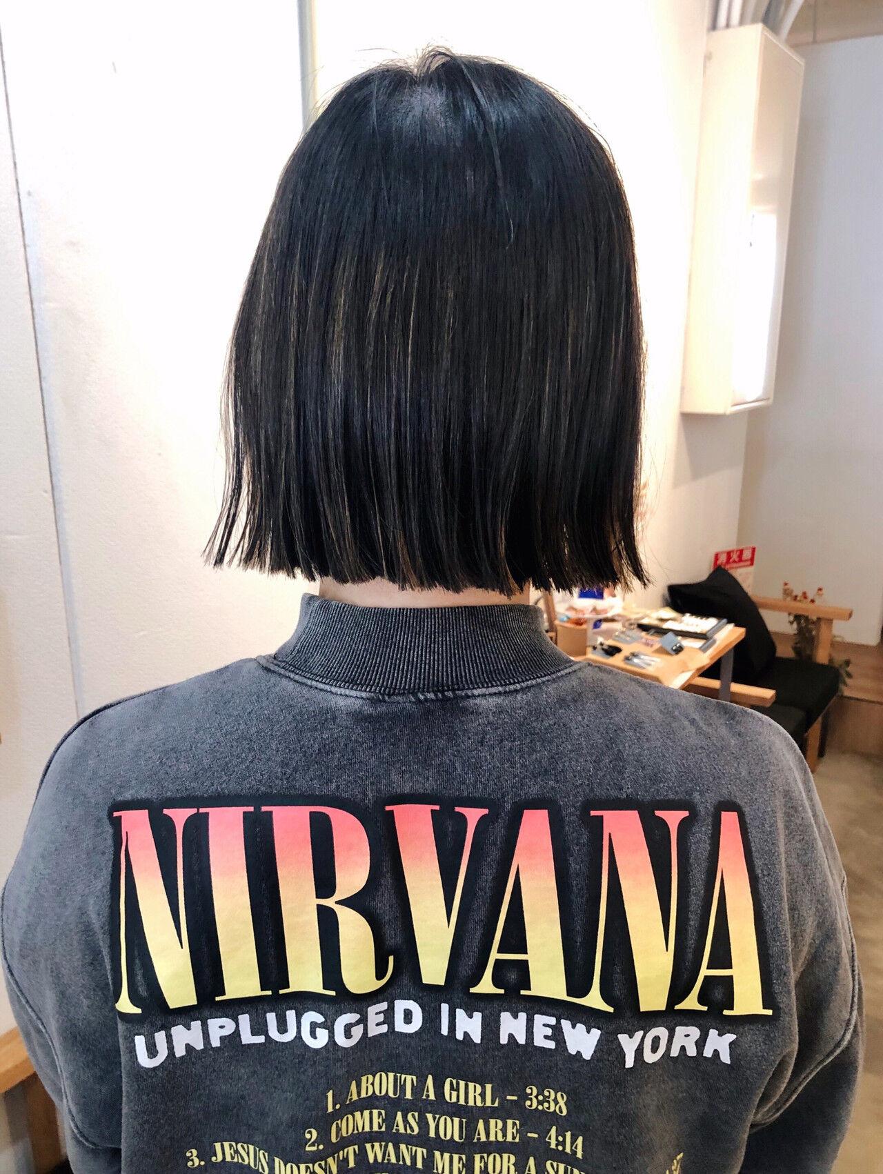 ミニボブ ショートボブ 切りっぱなしボブ ストリートヘアスタイルや髪型の写真・画像