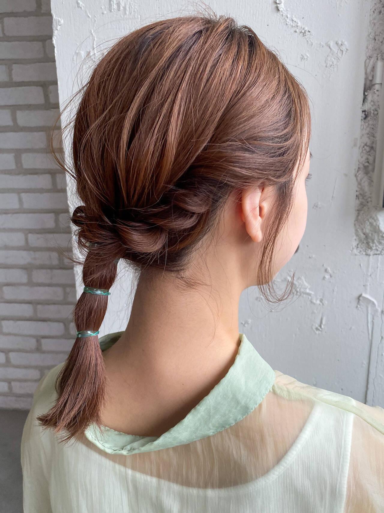 簡単ヘアアレンジ ミディアム セルフヘアアレンジ ナチュラルヘアスタイルや髪型の写真・画像