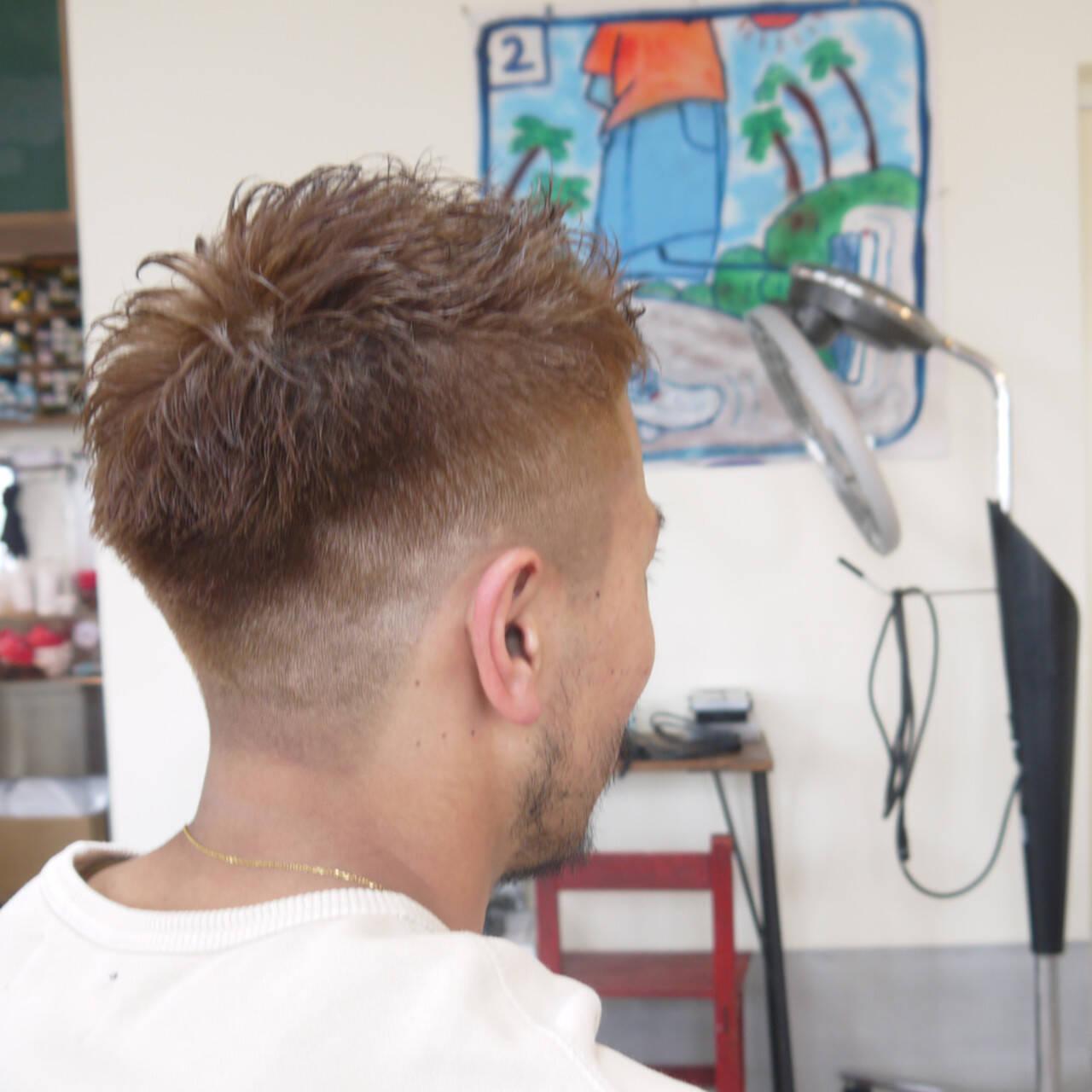 ハイトーン ショート メンズ ナチュラルヘアスタイルや髪型の写真・画像