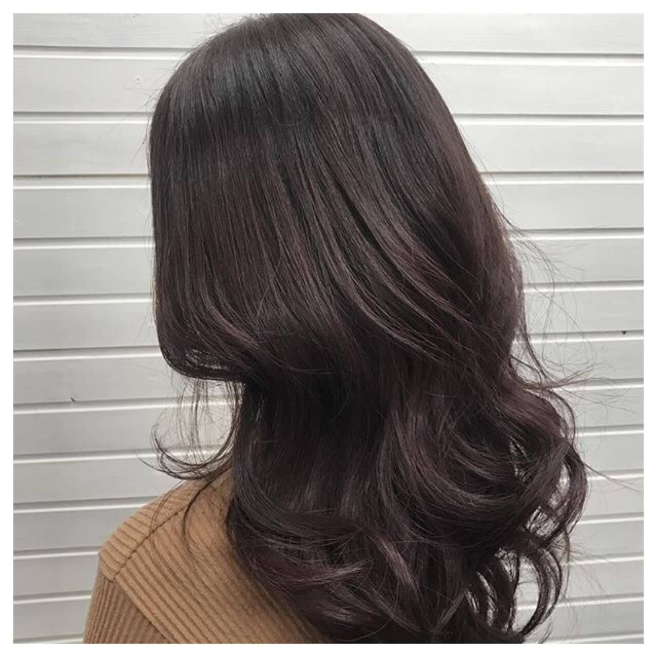 セミロング ピンク ベージュ イルミナカラーヘアスタイルや髪型の写真・画像