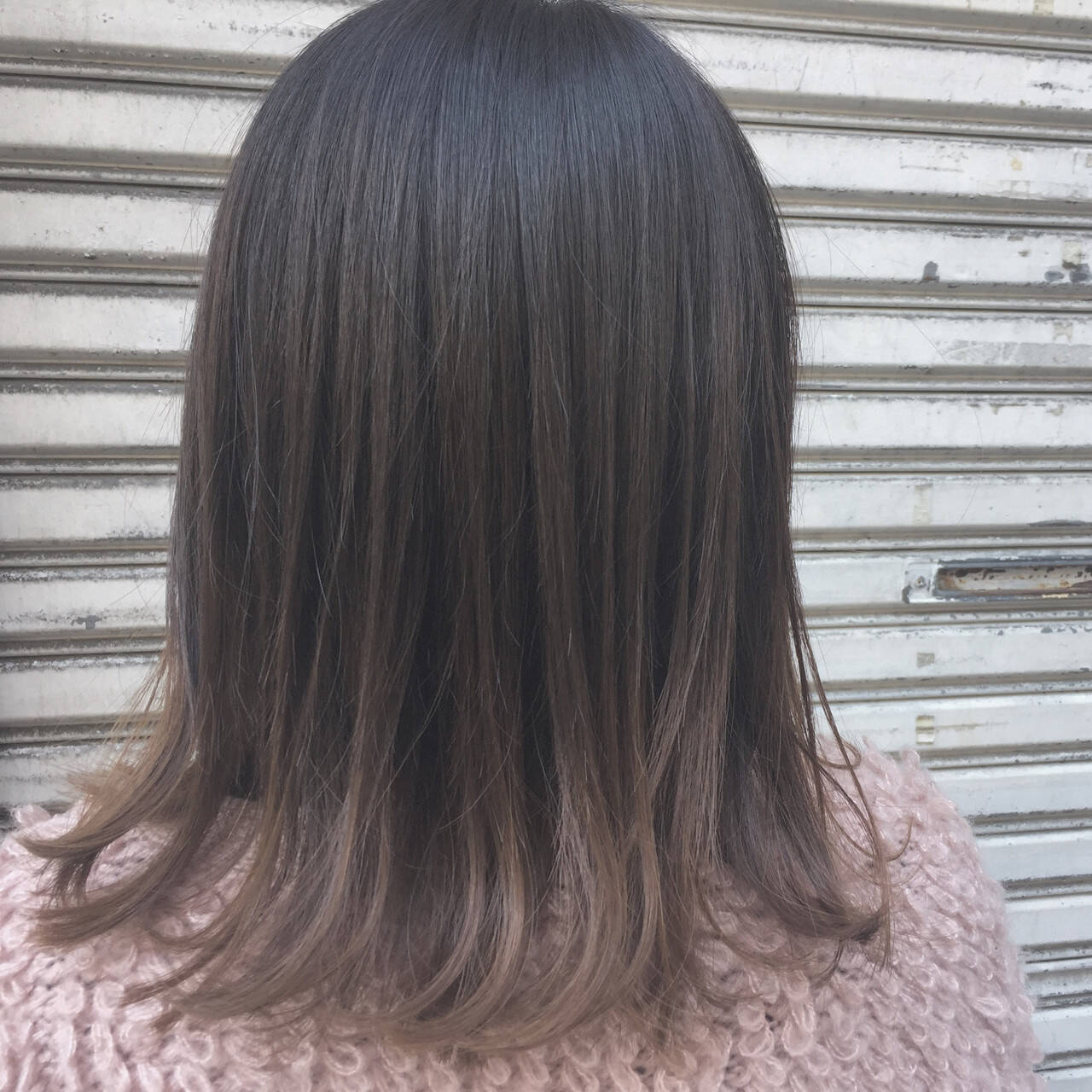 ボブ グラデーションカラー アッシュ 暗髪ヘアスタイルや髪型の写真・画像