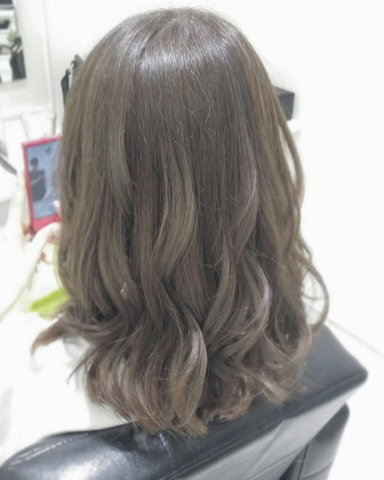 大人かわいい フェミニン ミディアム コンサバヘアスタイルや髪型の写真・画像
