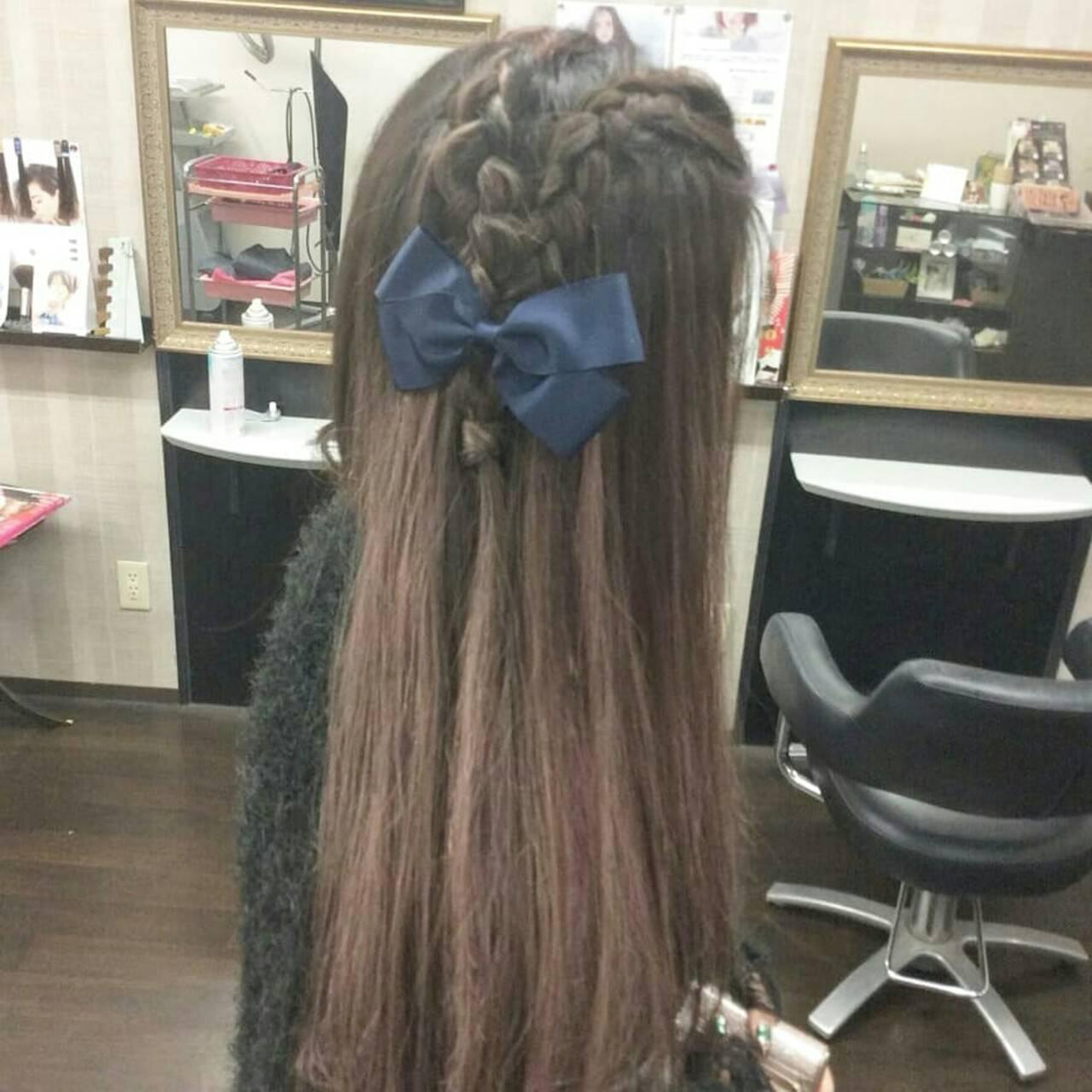 ナチュラル 編み込み ヘアアレンジ ロングヘアスタイルや髪型の写真・画像
