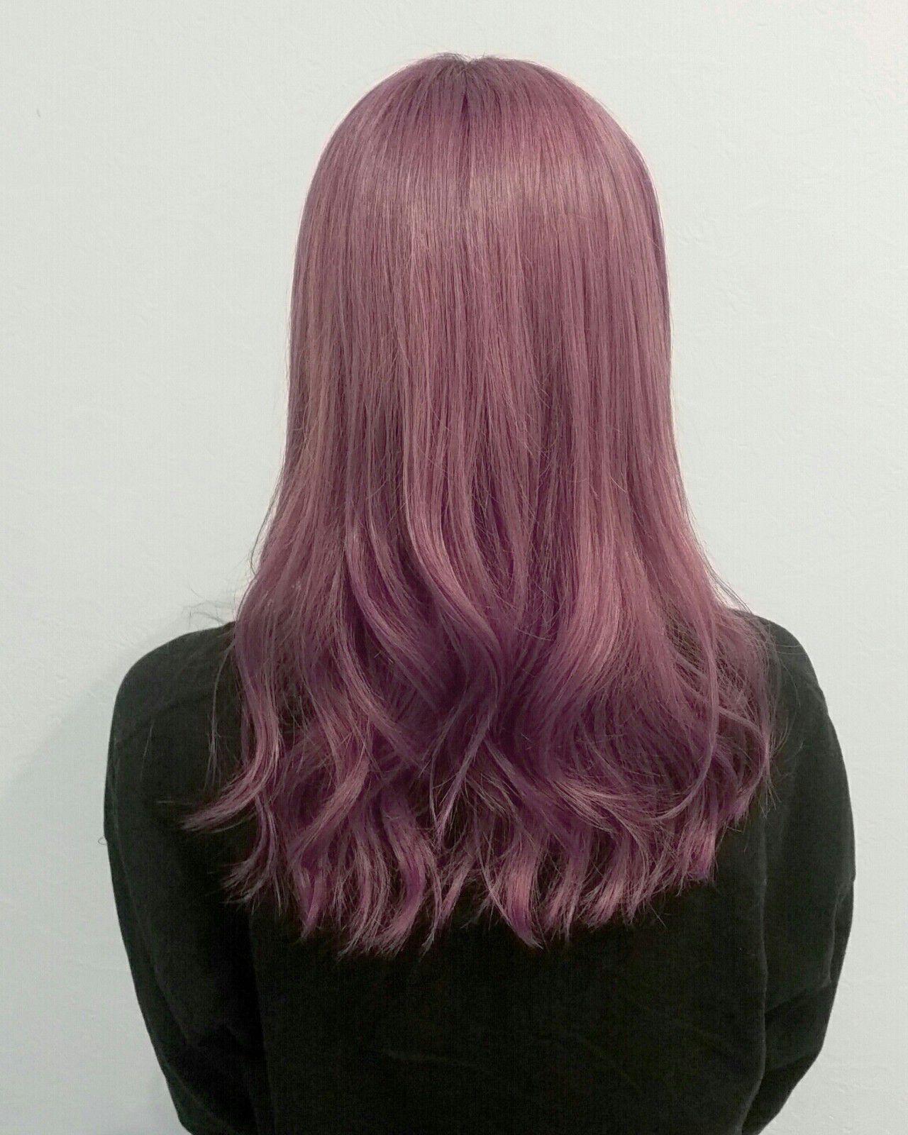 セミロング ピンク レッド パープルヘアスタイルや髪型の写真・画像