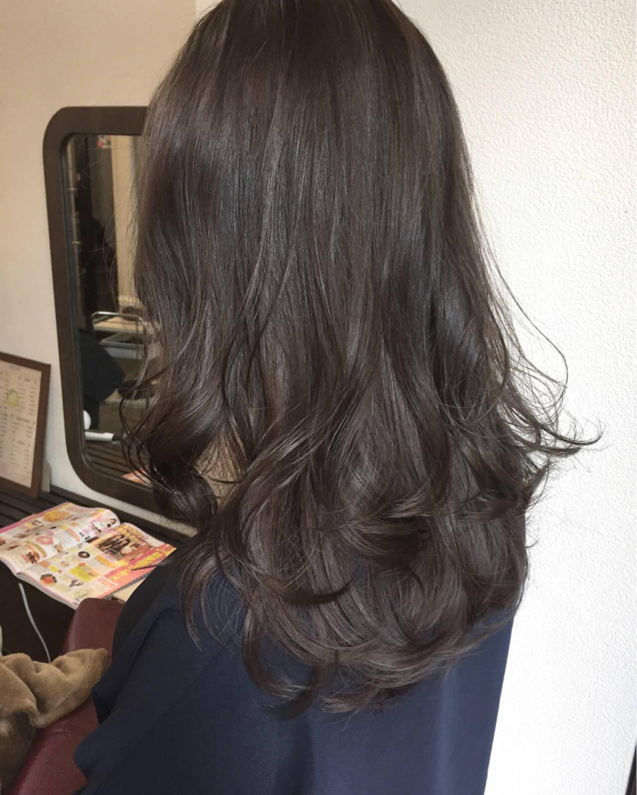 グレージュ 外国人風カラー ミルクティー ロングヘアスタイルや髪型の写真・画像