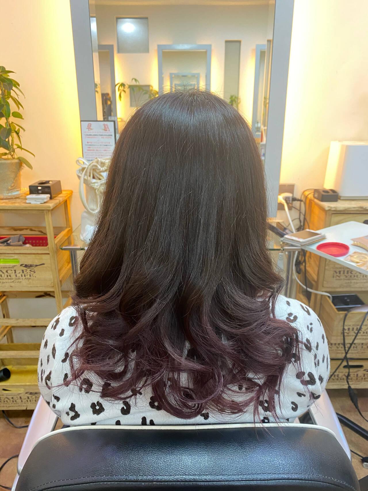 ミディアム グラデーションカラー グラデーション モードヘアスタイルや髪型の写真・画像
