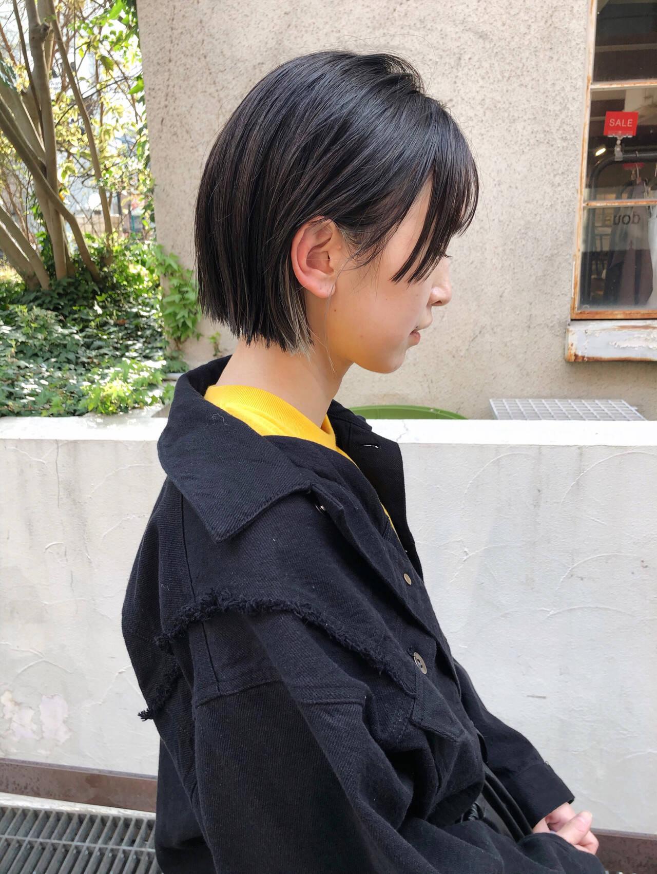 ショートヘア 切りっぱなしボブ ミニボブ インナーカラーヘアスタイルや髪型の写真・画像