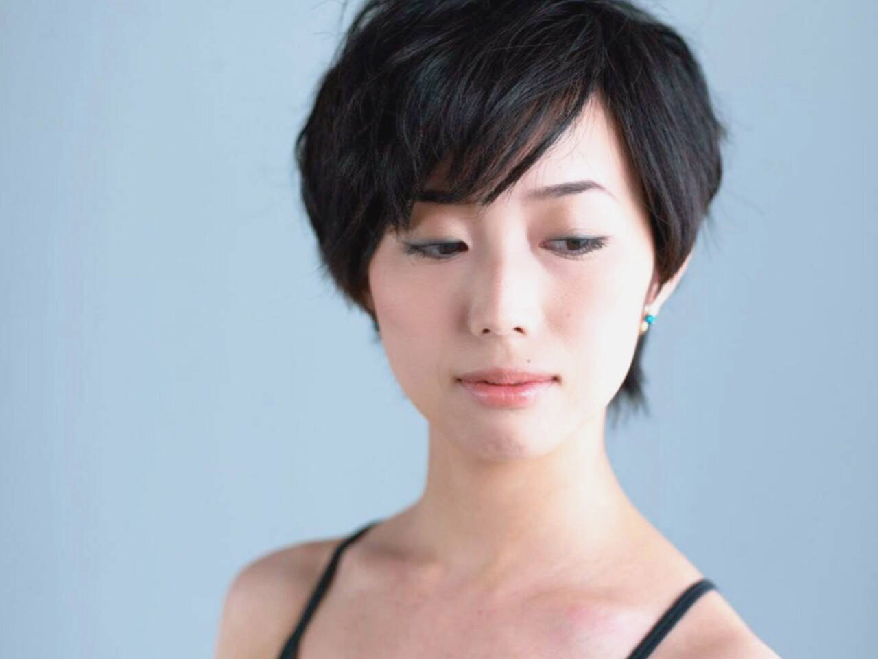 ナチュラル 黒髪 ショート ヘアメイクヘアスタイルや髪型の写真・画像