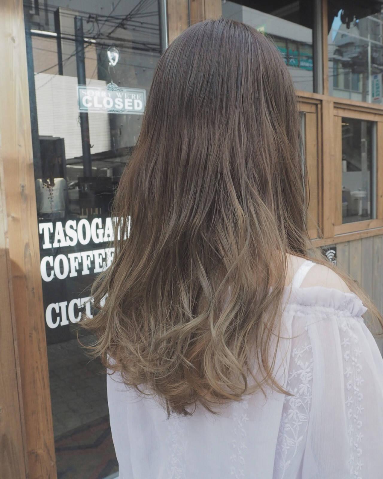 グラデーションカラー ロング 秋 リラックスヘアスタイルや髪型の写真・画像