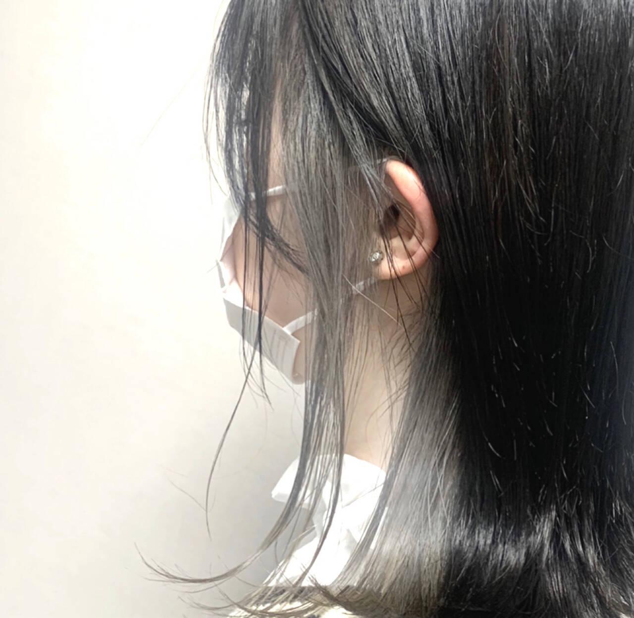 インナーカラー グレーアッシュ アッシュグレー モードヘアスタイルや髪型の写真・画像