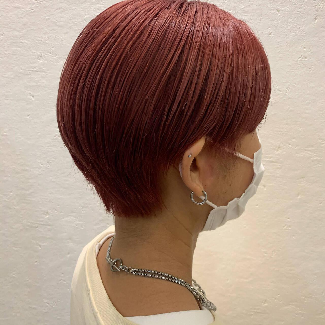 ピンクバイオレット ベリーピンク ショートヘア ピンクヘアスタイルや髪型の写真・画像