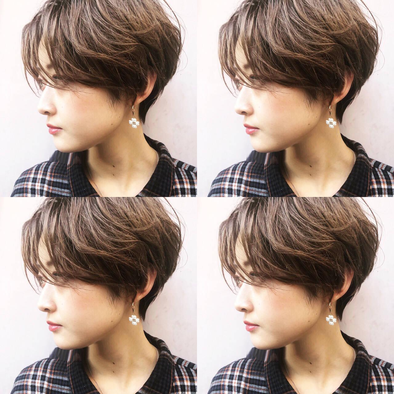 ハンサムショート ナチュラル 大人かわいい 簡単スタイリングヘアスタイルや髪型の写真・画像