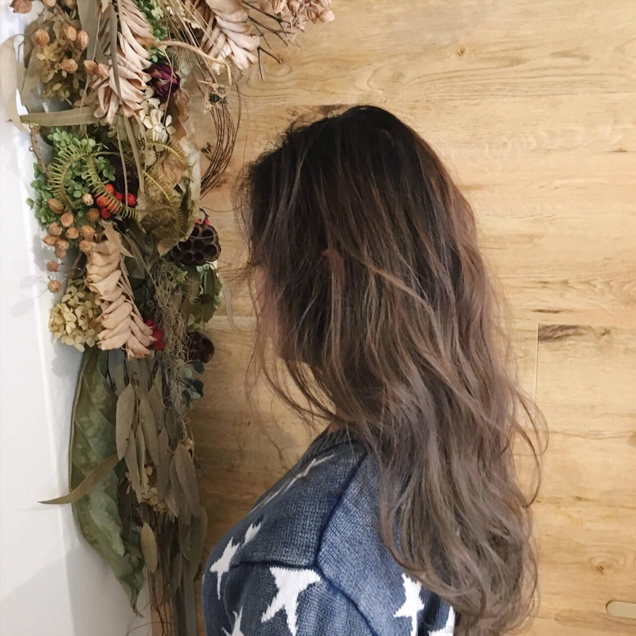 艶髪 ナチュラル ニュアンス パーマヘアスタイルや髪型の写真・画像