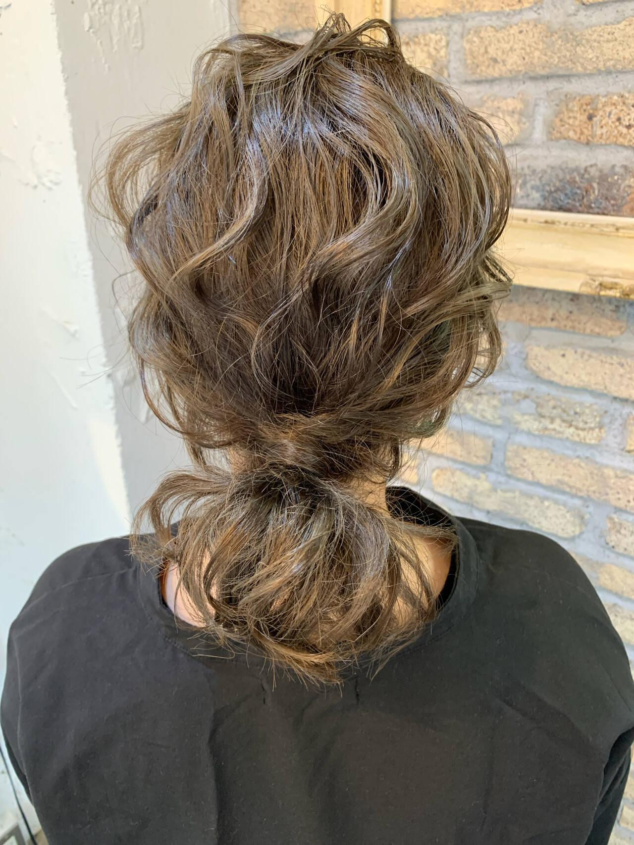 ヘアアレンジ ミディアム ローポニー ナチュラルヘアスタイルや髪型の写真・画像