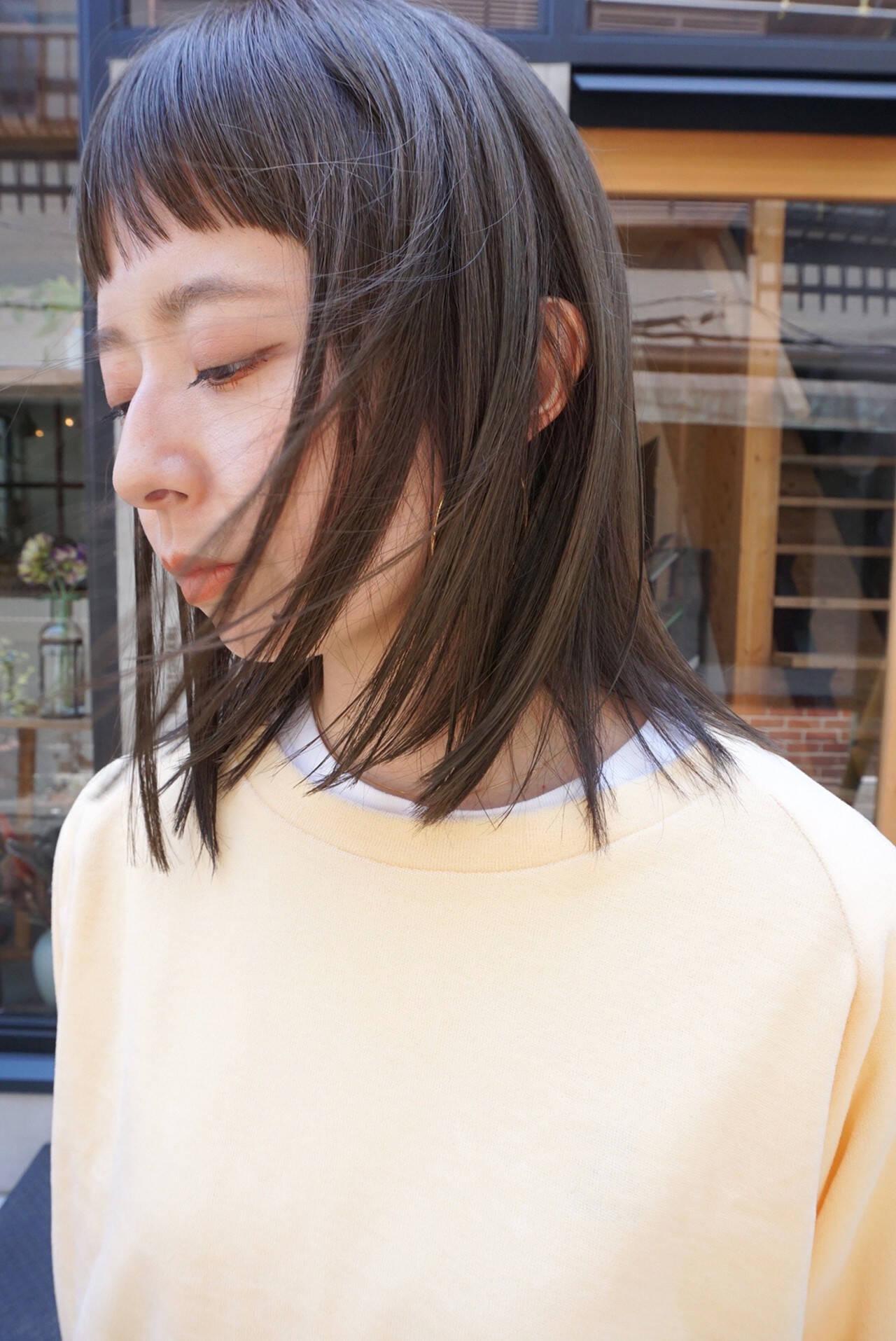 ミディアム 透明感 切りっぱなしボブ 透明感カラーヘアスタイルや髪型の写真・画像