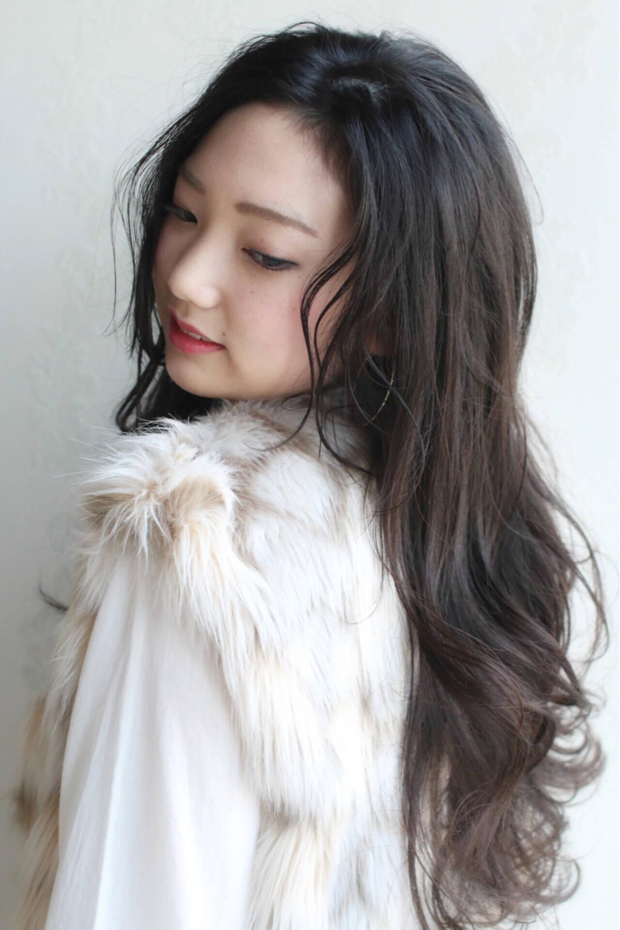 フェミニン ナチュラル ロング 黒髪ヘアスタイルや髪型の写真・画像