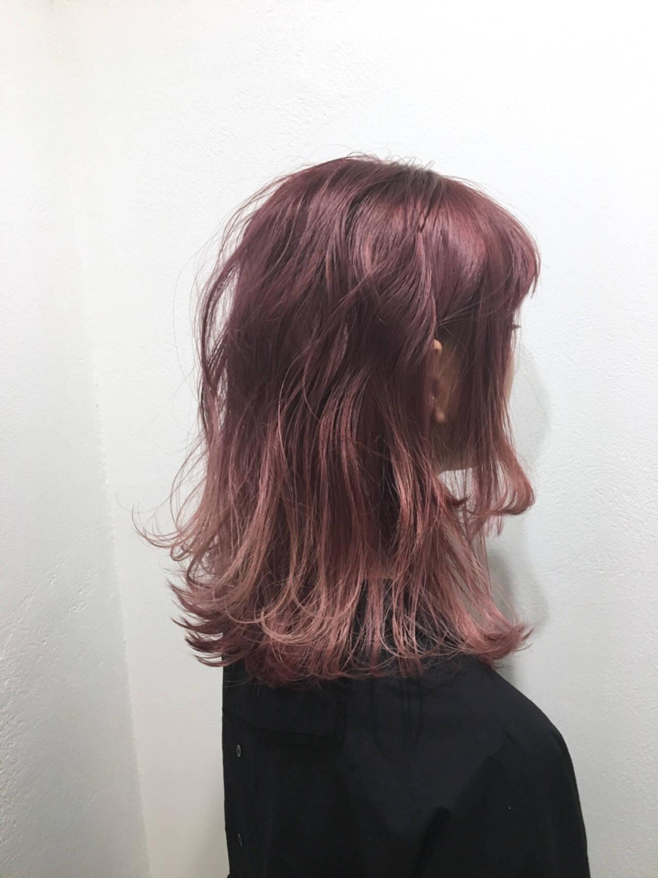 ミルクティー ピンク ガーリー ダブルカラーヘアスタイルや髪型の写真・画像