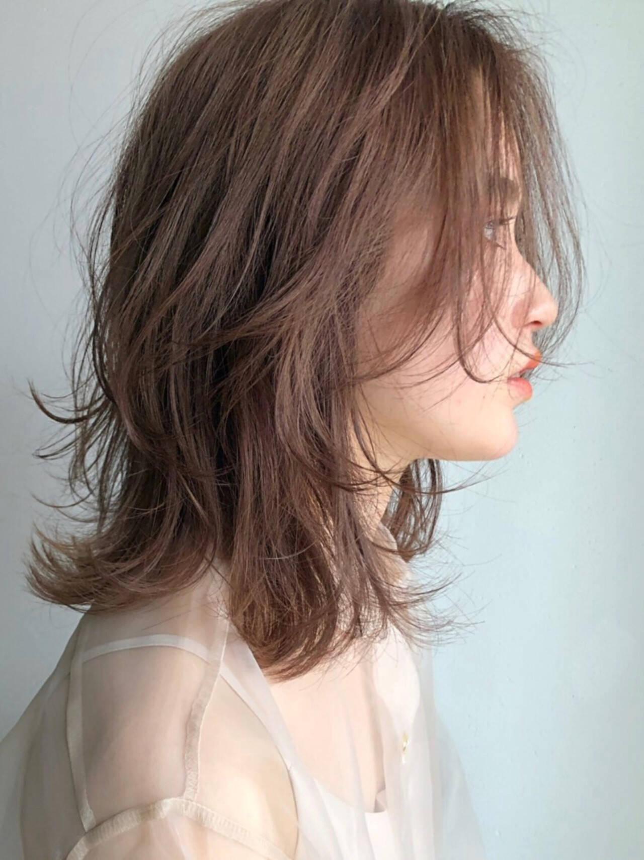 ナチュラル ミディアム デート アウトドアヘアスタイルや髪型の写真・画像
