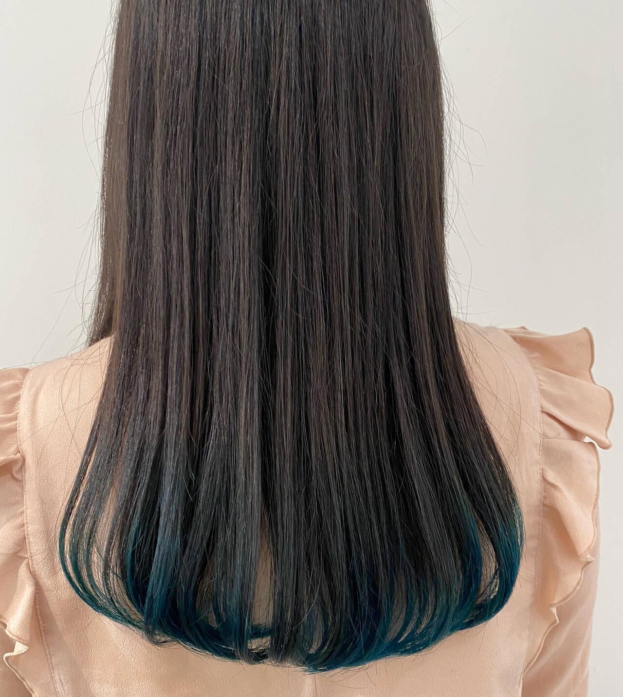 ターコイズ インナーカラー ロング ダブルカラーヘアスタイルや髪型の写真・画像
