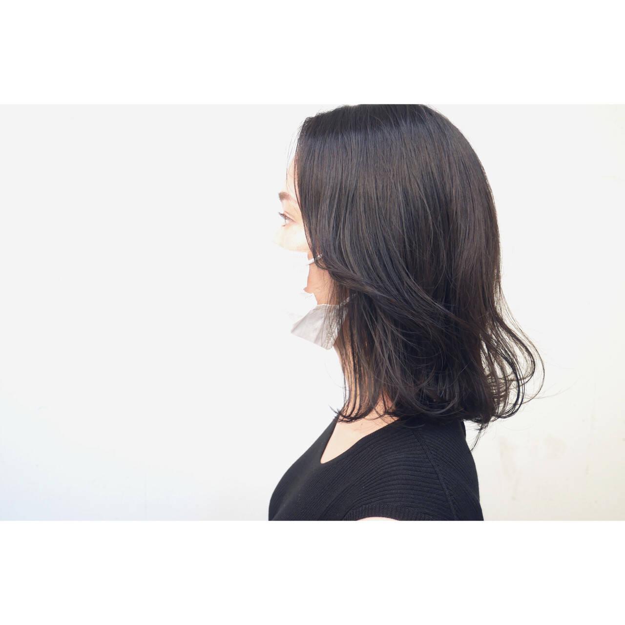 暗髪 外ハネボブ ボブ ナチュラルヘアスタイルや髪型の写真・画像