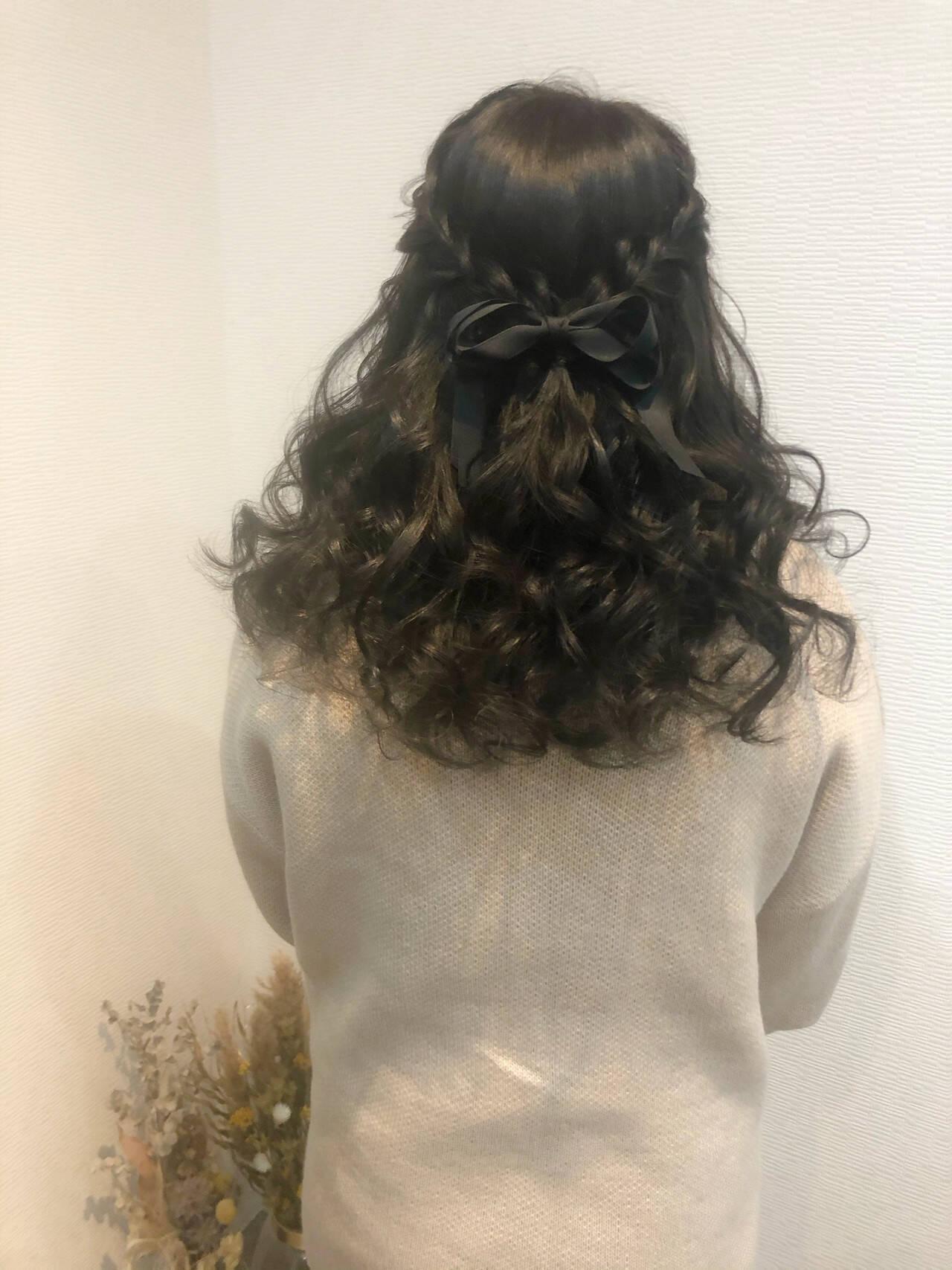 ヘアセット ハーフアップ フェミニン 編み込みヘアヘアスタイルや髪型の写真・画像