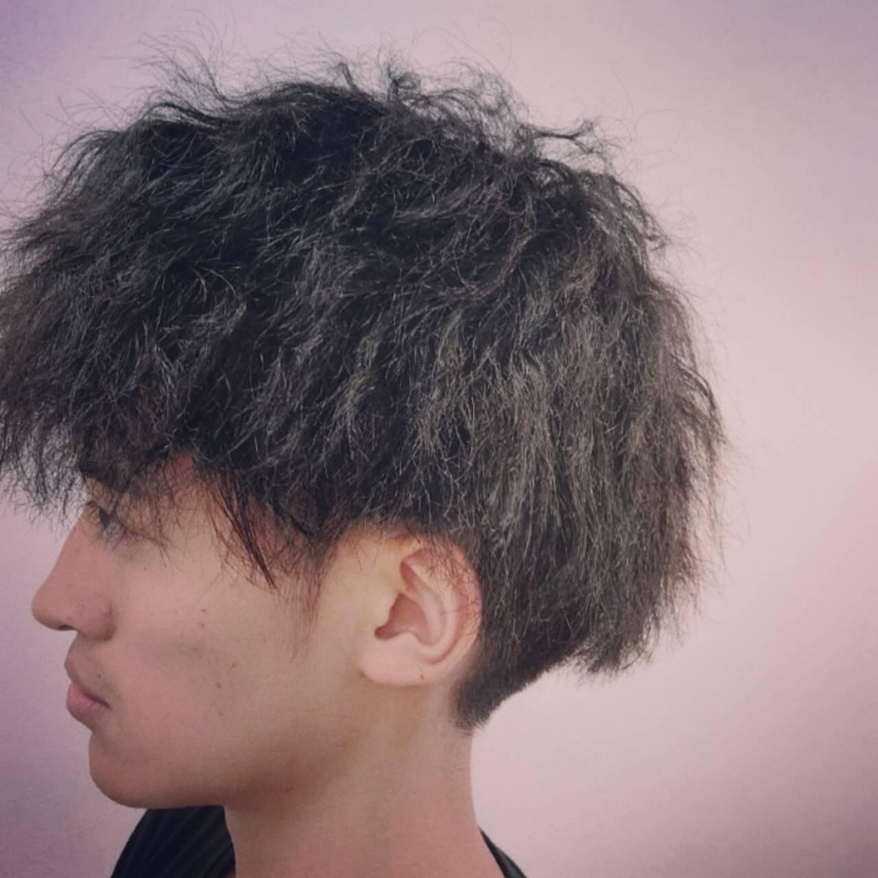 スパイラルパーマ メンズショート ストリート ショートヘアスタイルや髪型の写真・画像