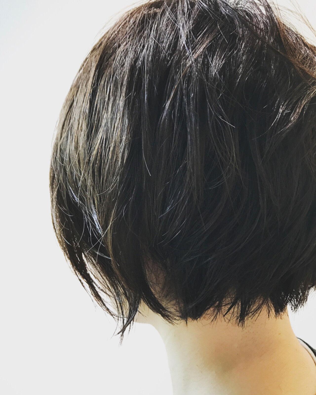 ウェットヘア 黒髪 ショート アウトドアヘアスタイルや髪型の写真・画像