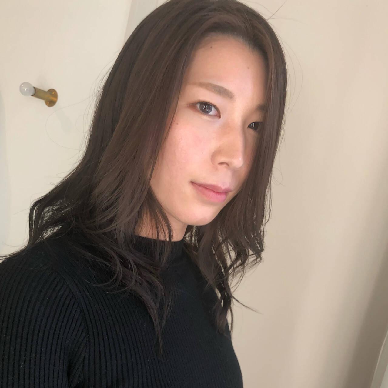 パーマ 大人ヘアスタイル セミロング フェミニンヘアスタイルや髪型の写真・画像