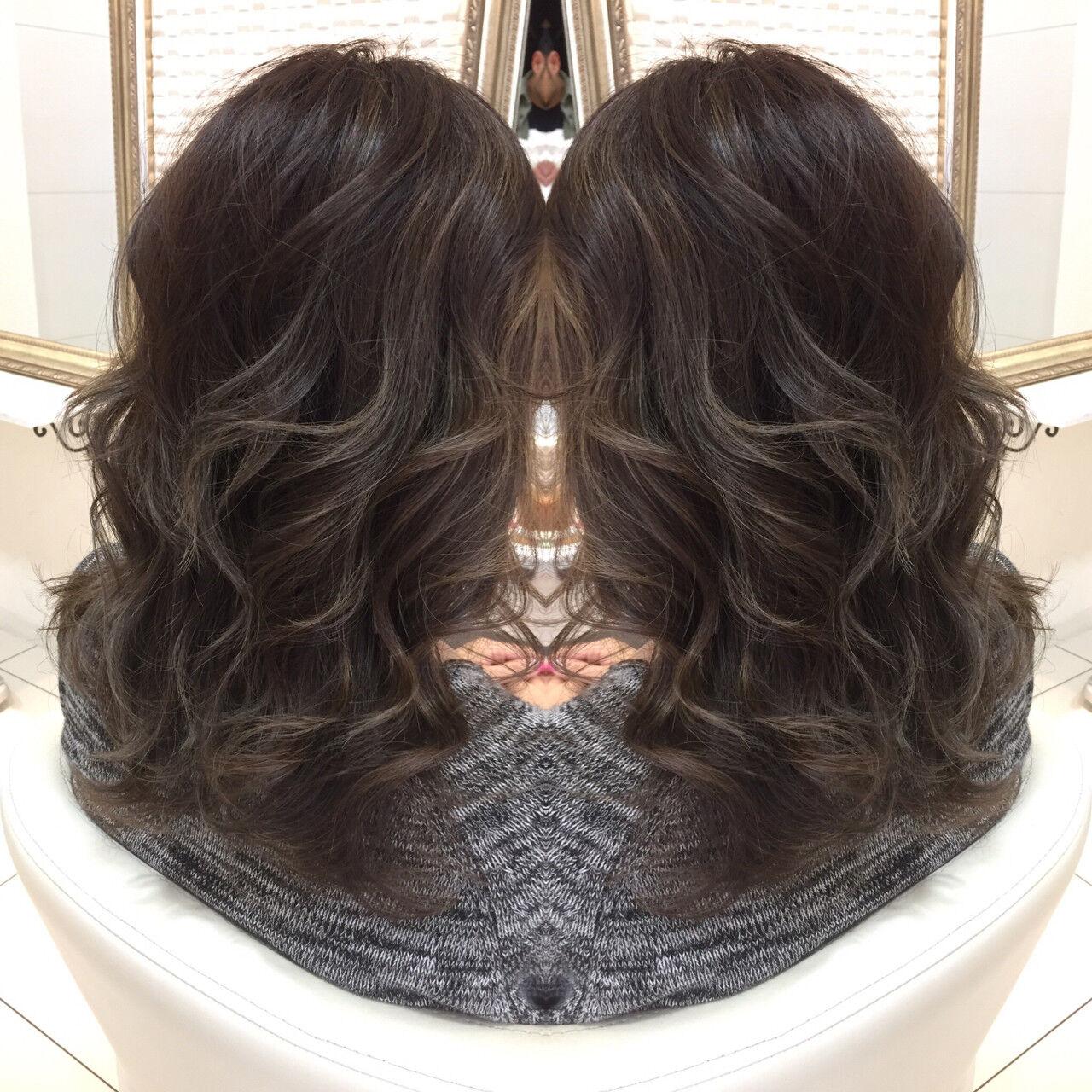 艶髪 セミロング 外国人風 ハイライトヘアスタイルや髪型の写真・画像