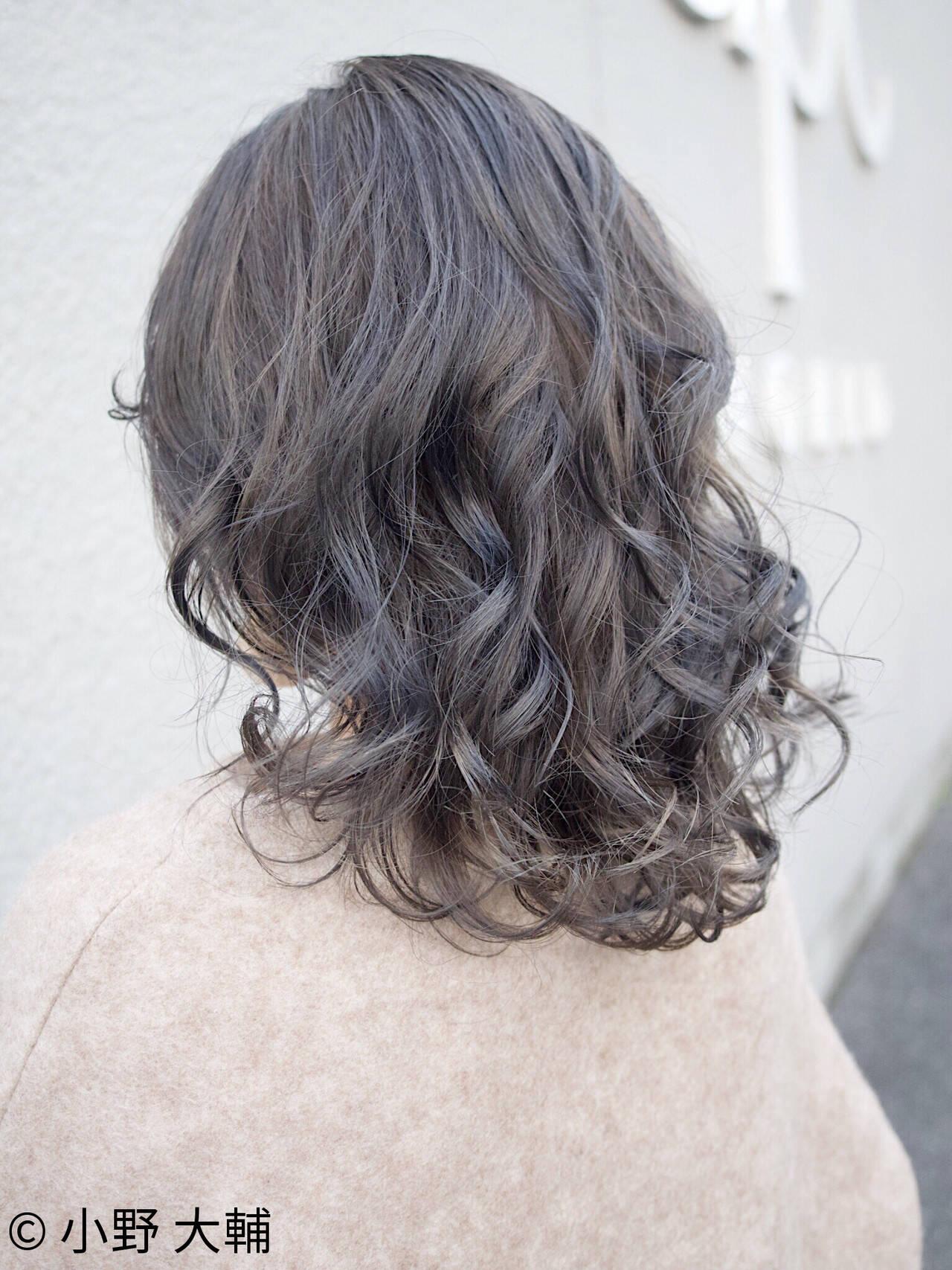 グレージュ ハイライト 外国人風カラー アンニュイほつれヘアヘアスタイルや髪型の写真・画像