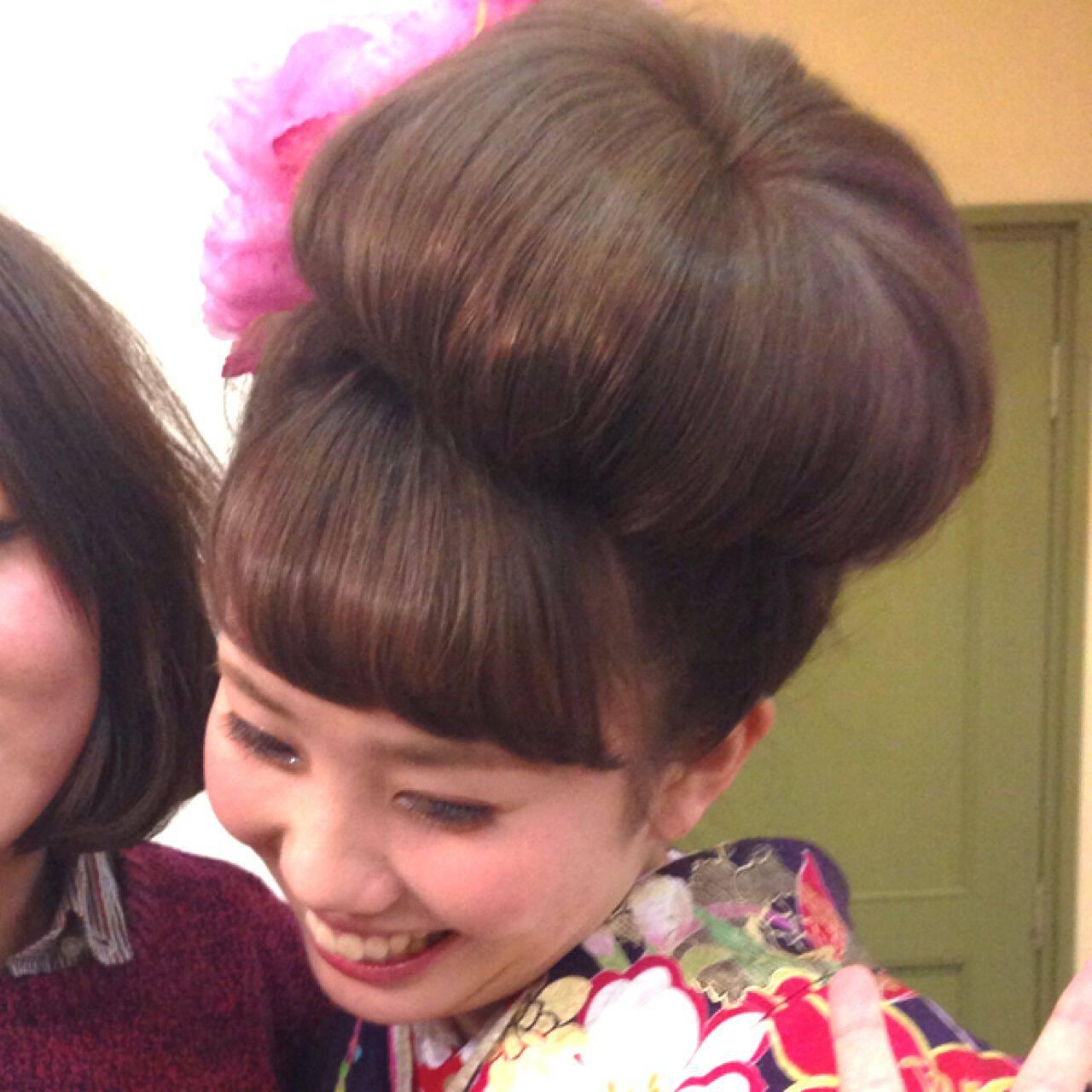 アップスタイル お団子 ヘアアレンジ コンサバヘアスタイルや髪型の写真・画像