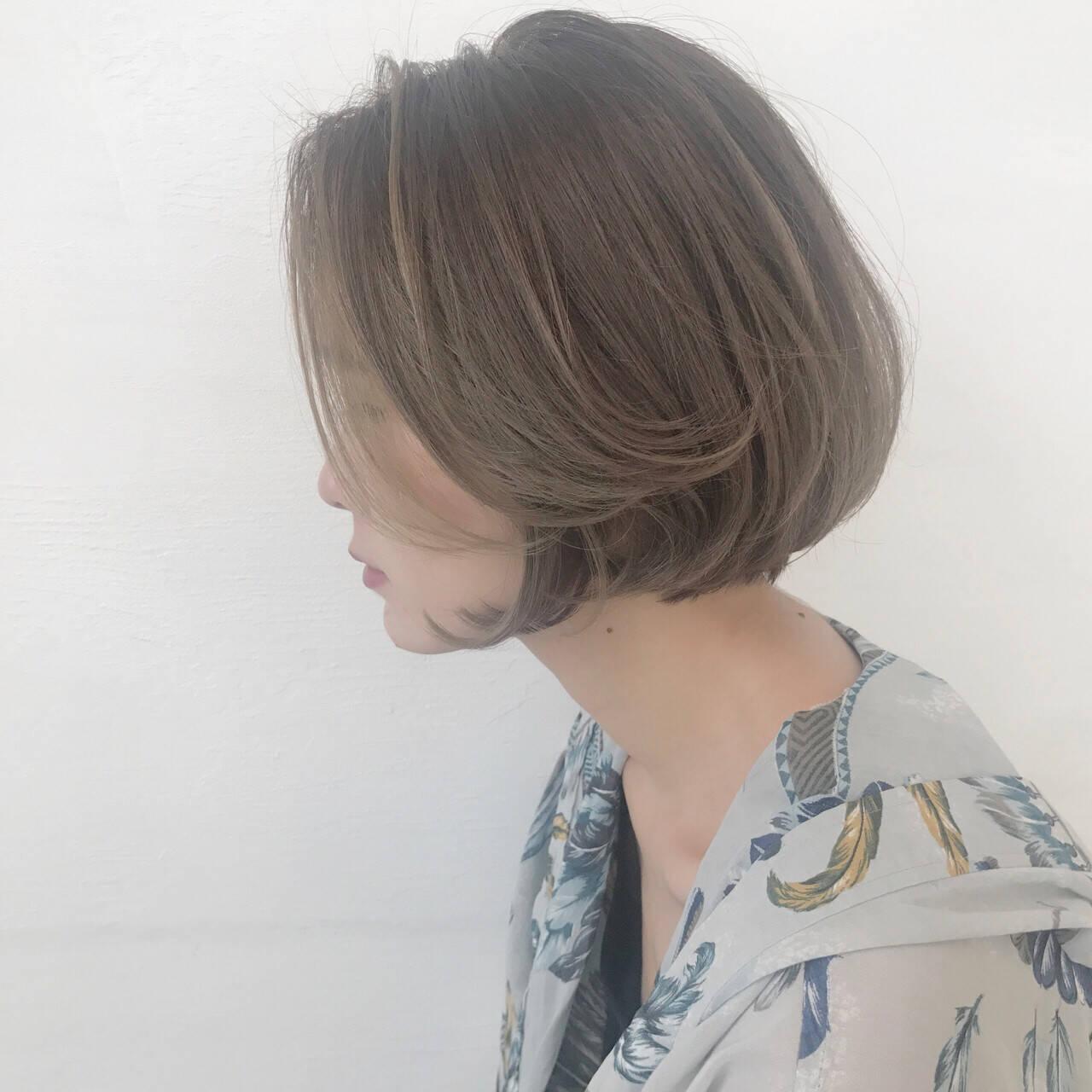 大人かわいい 前下がり イルミナカラー ボブヘアスタイルや髪型の写真・画像