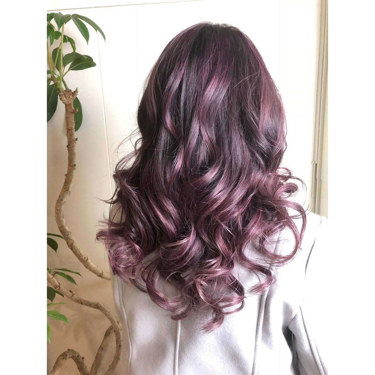 フェミニン グラデーションカラー ピンク パープルヘアスタイルや髪型の写真・画像