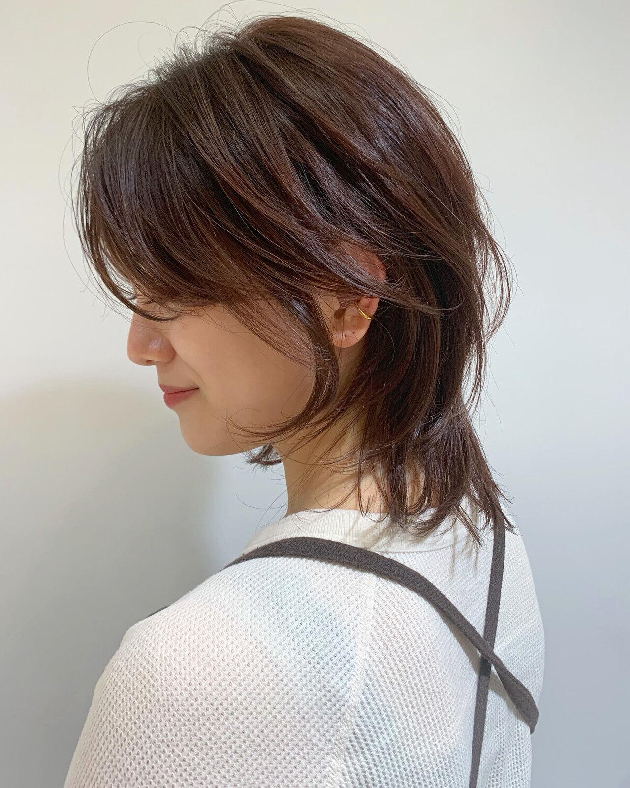 ウルフカット モード ミディアム 暗髪ヘアスタイルや髪型の写真・画像