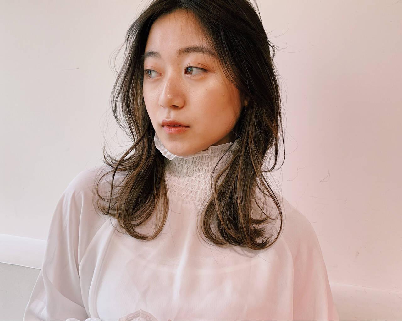 黒髪 春 ピュア セミロングヘアスタイルや髪型の写真・画像