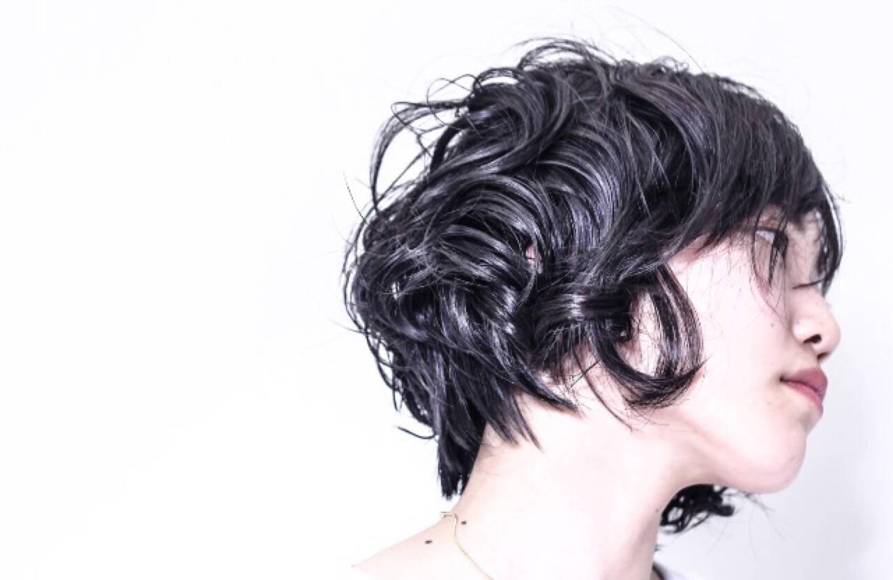 ショート ウェットヘア かっこいい モードヘアスタイルや髪型の写真・画像
