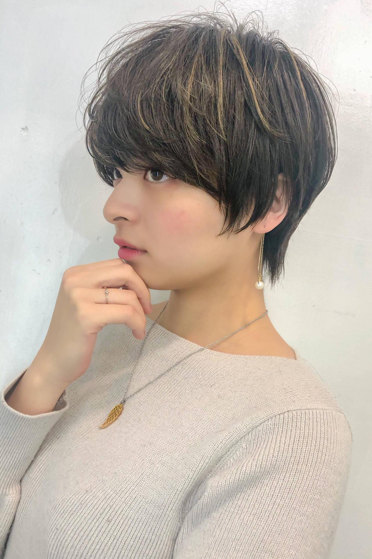ナチュラル 3Dハイライト 耳かけ ハイライトヘアスタイルや髪型の写真・画像