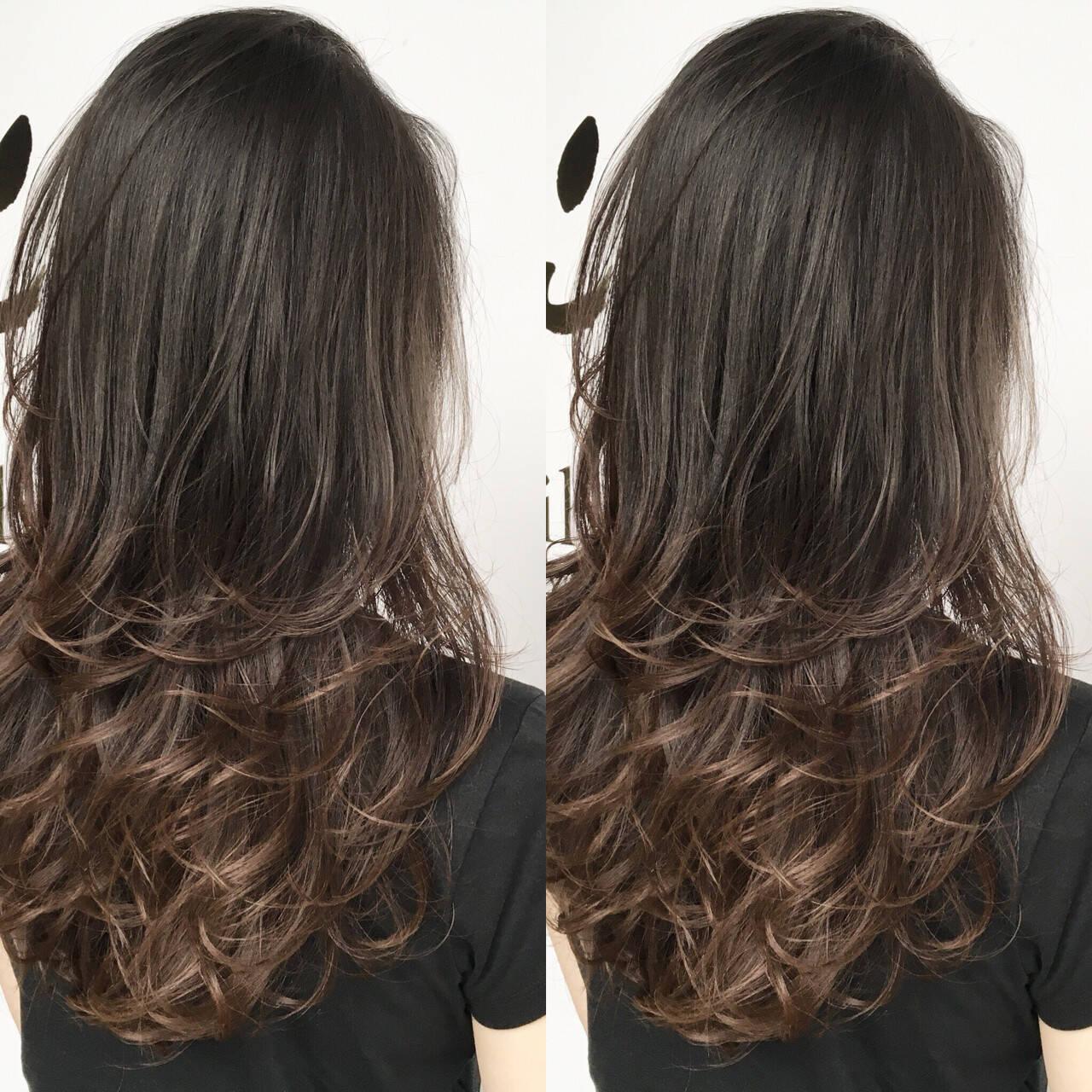 ロング エレガント 上品 レイヤーカットヘアスタイルや髪型の写真・画像