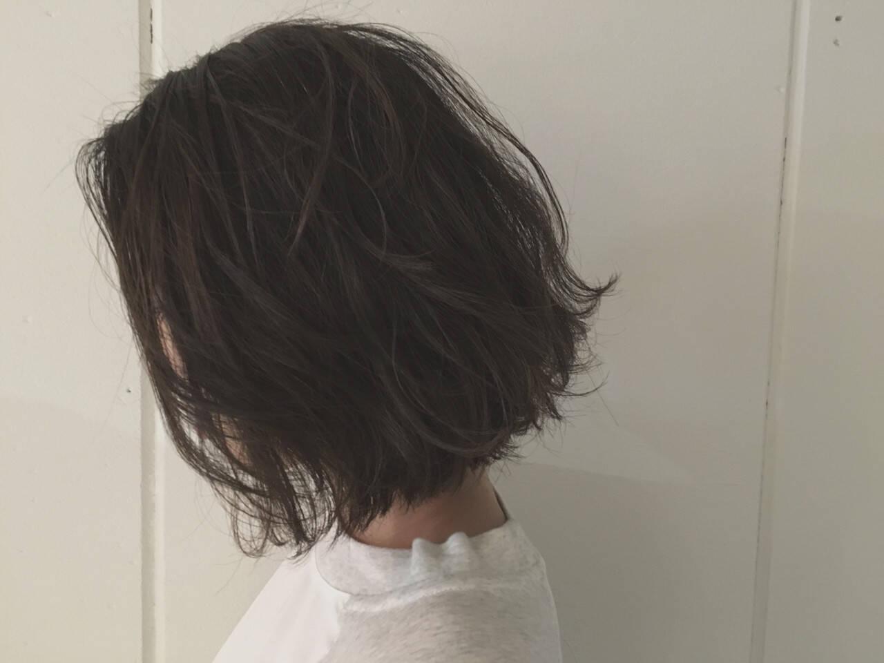 ボブ アッシュ ウェットヘア 前下がりヘアスタイルや髪型の写真・画像