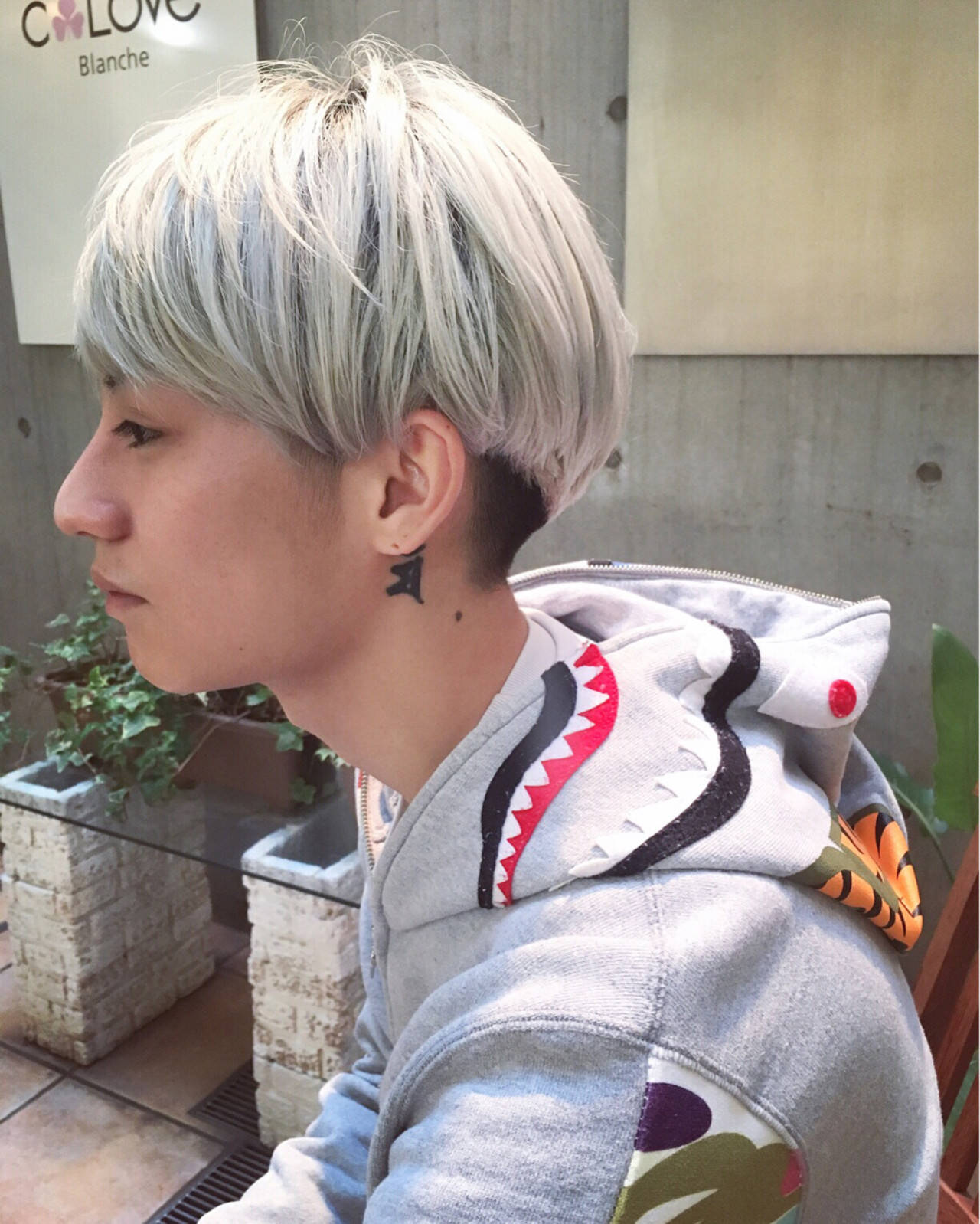 メンズ ストリート ホワイト ホワイトアッシュヘアスタイルや髪型の写真・画像