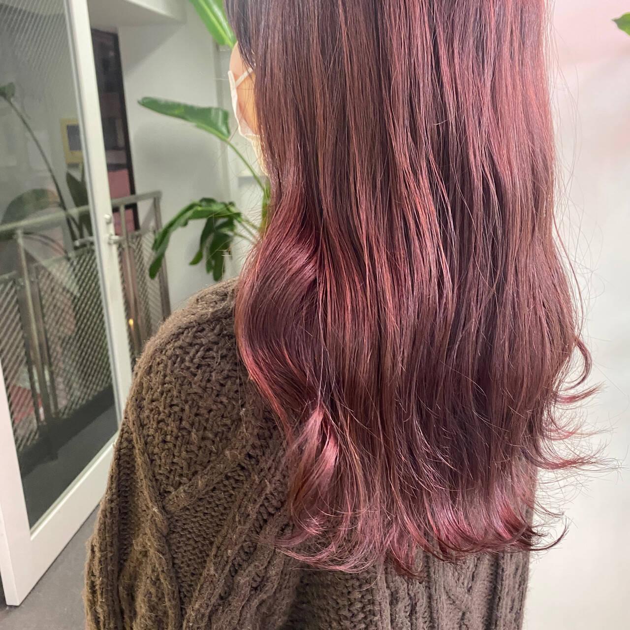 ベリーピンク ピンク 韓国ヘア ピンクアッシュヘアスタイルや髪型の写真・画像