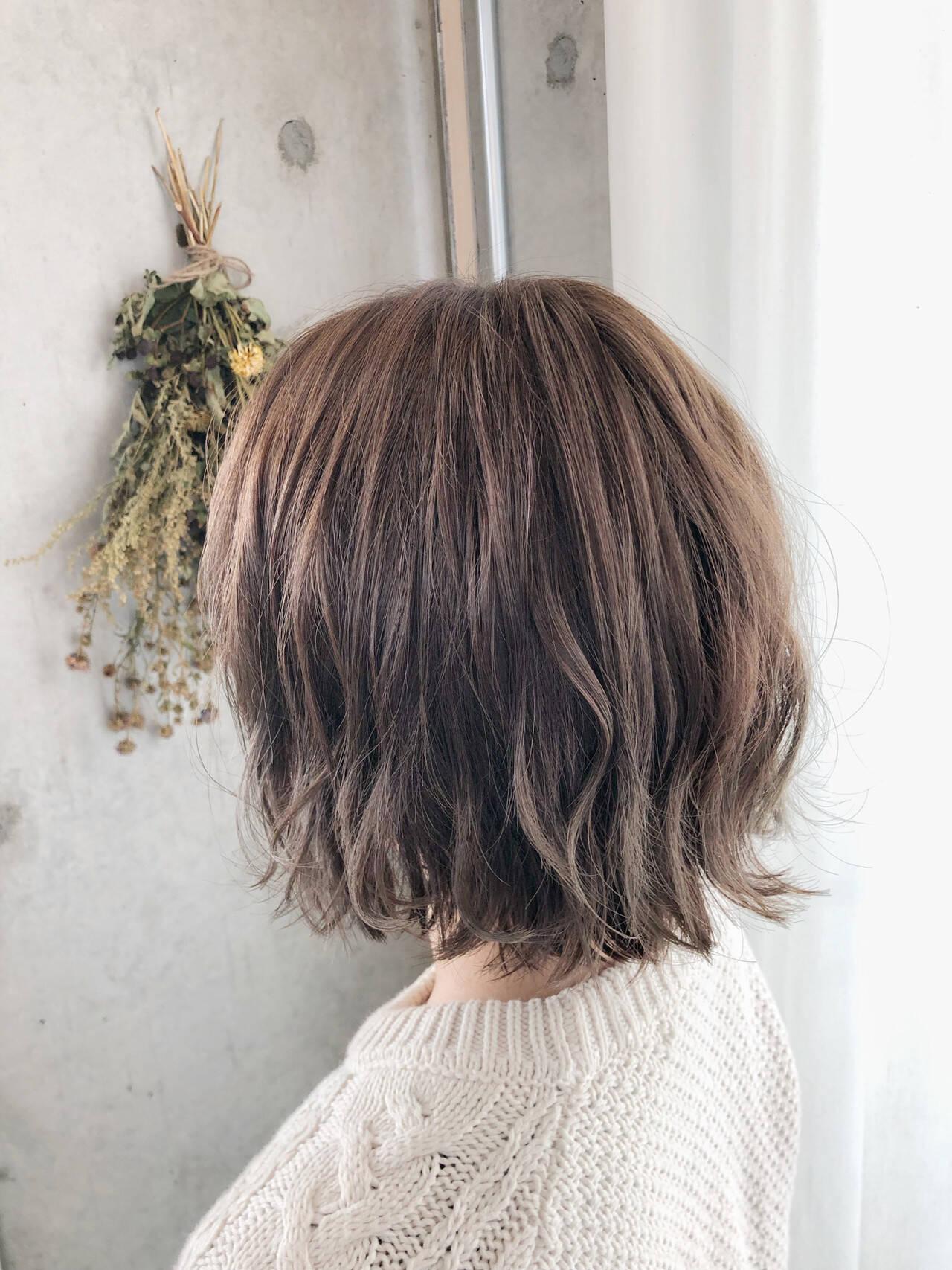イルミナカラー 透明感カラー フェミニン ヘアカラーヘアスタイルや髪型の写真・画像