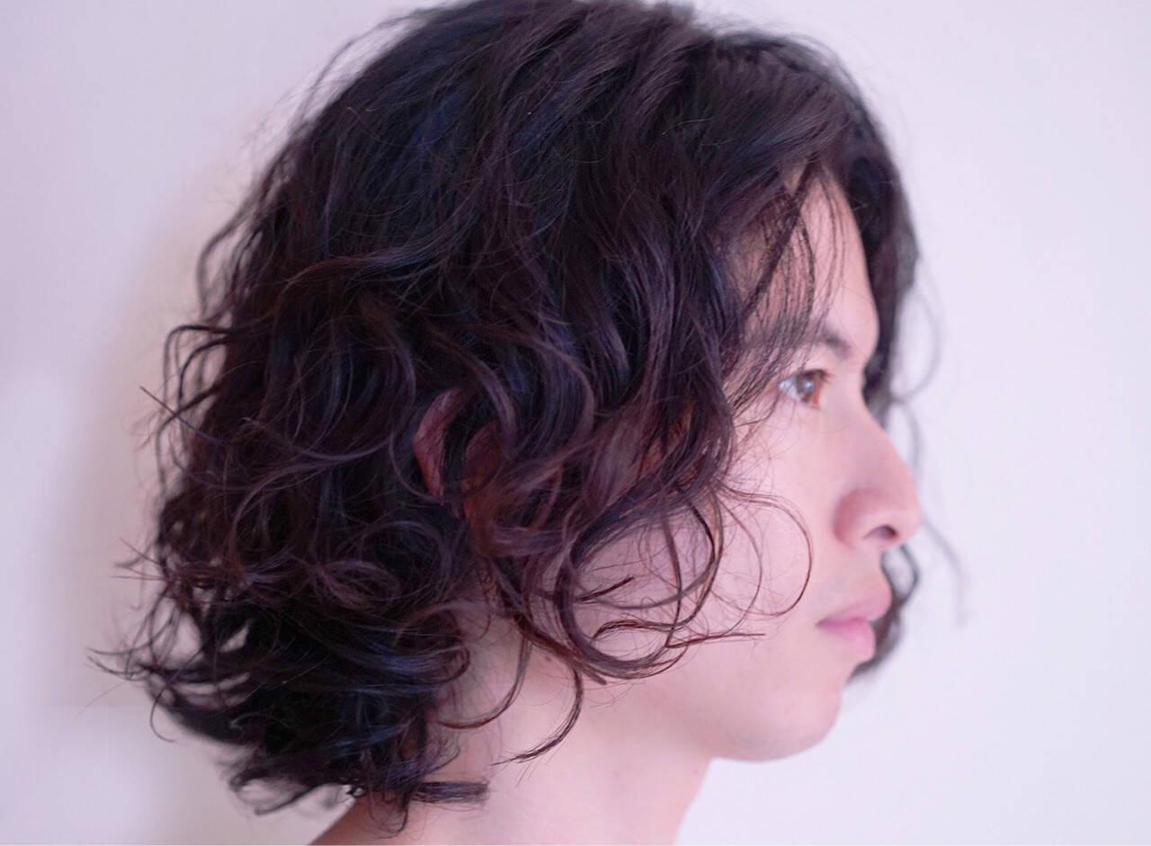ミディアム ヌーディパーマ フェミニン パーマヘアスタイルや髪型の写真・画像